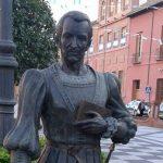 Fernando de Rojas tiene su lugar en la Plaza del Pan de Talavera