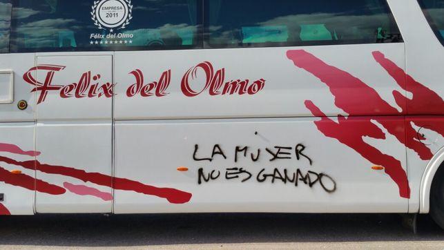 Autobus-caravana-mujeres_EDIIMA20150420_0929_23