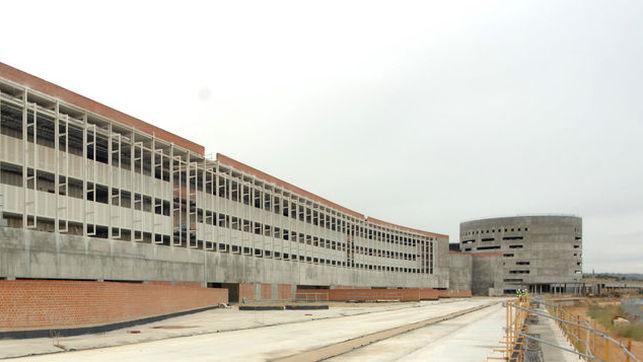 """El contrato único del Hospital del Toledo """"puede suponer"""" un sobrecoste de 800 millones"""