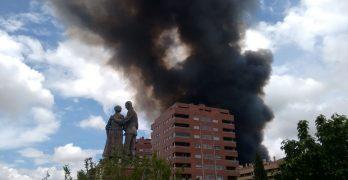"""Ecologistas, desde el incendio de Seseña: """"Es una verdadera catástrofe ambiental y para la salud"""""""