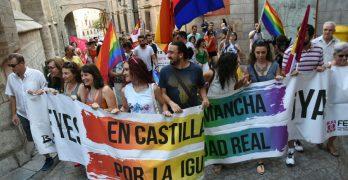 """Las banderas arcoíris reivindican la bisexualidad para """"exaltar"""" la diversidad"""