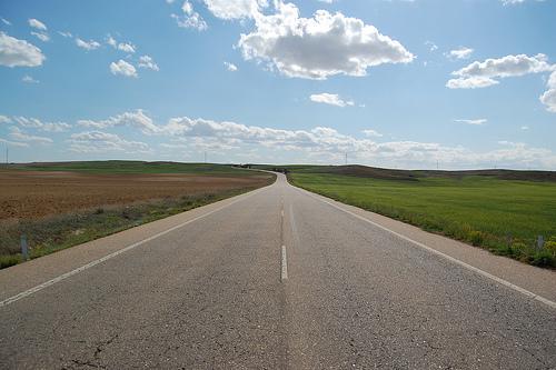 Captan a un conductor a 240 kilómetros por hora en la R4, el doble de lo permitido