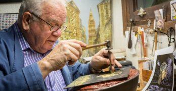 El maestro damasquinador Mariano San Félix, nueva Medalla al Mérito Artesano