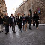 Abre al tráfico la Cuesta de Carlos V de Toledo