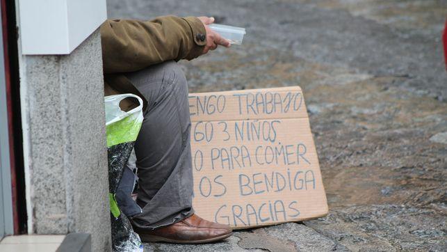 millones-andaluces-pobreza-exclusion-poblacion_ediima20141017_0283_13