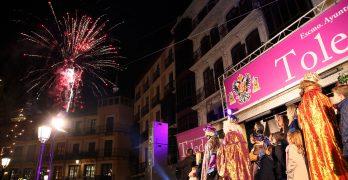 Miles de personas disfrutan de la Cabalgata de Reyes en Toledo