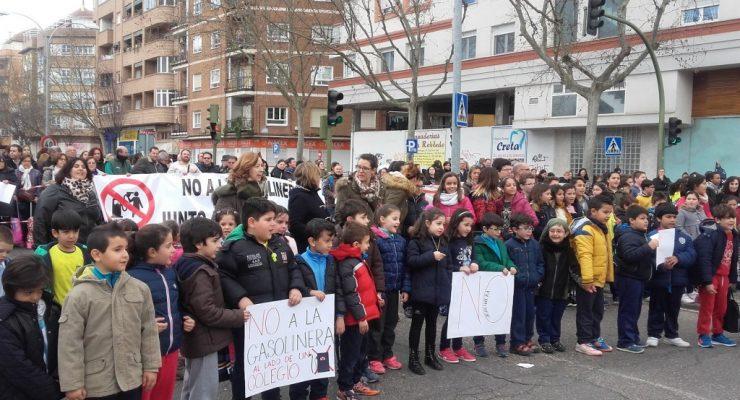 El promotor de la gasolinera junto a un colegio en Talavera acudirá a los tribunales