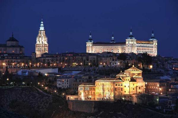 'Toledo Enamora' … Ahora de noche