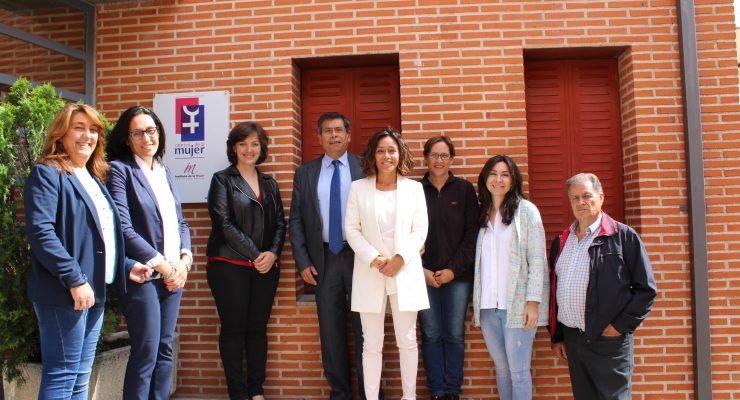 Camarena abre las nuevas instalaciones del Centro de la Mujer