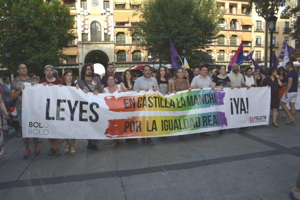 Imagen de la manifestación LGTBI Toledo Entiende
