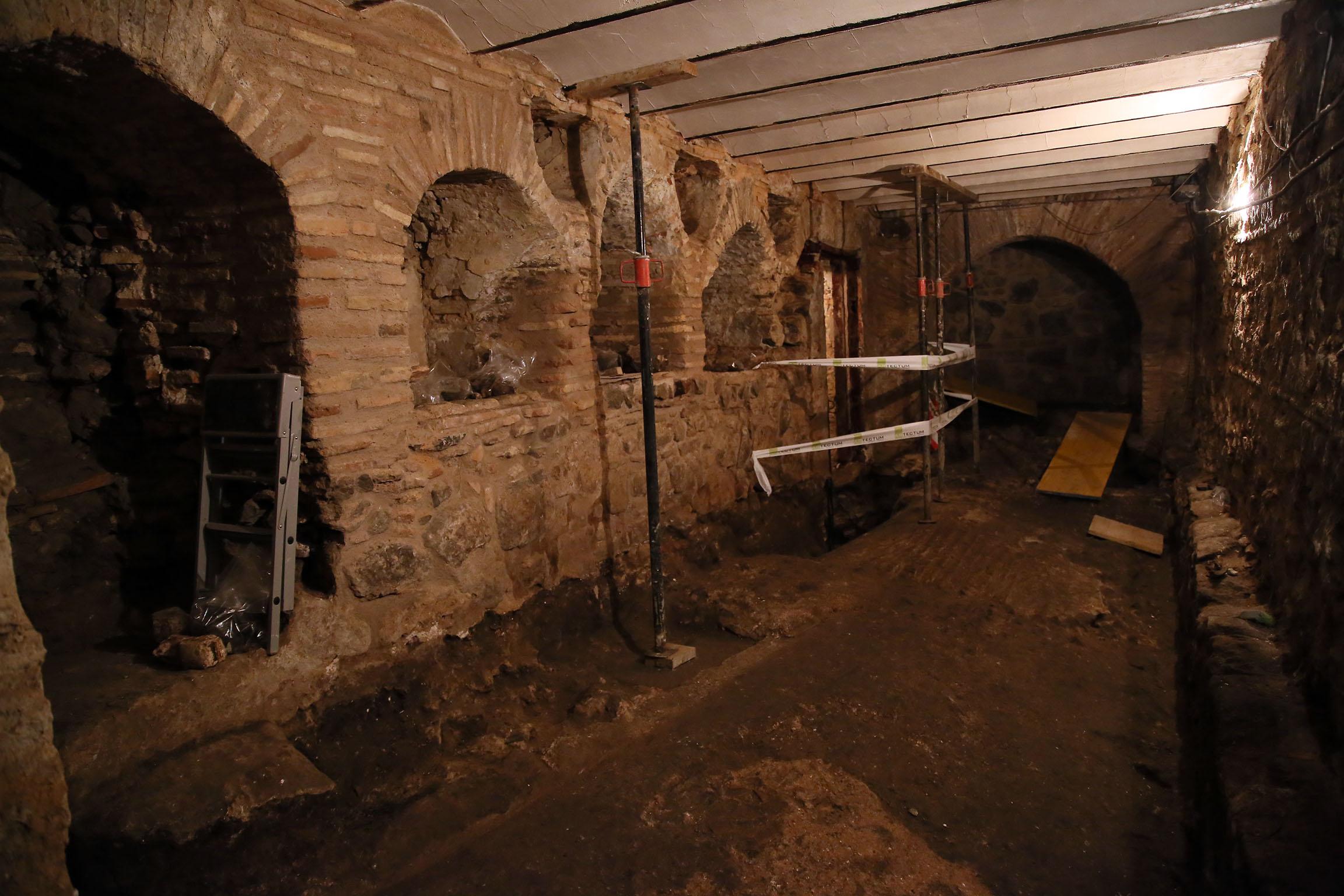 Parte de la galería romana descubierta bajo la calle Amador de los Ríos