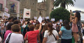 """Protesta de los vecinos de Gamonal: """"Las macrogranjas porcinas deberían prohibirse por ley"""""""