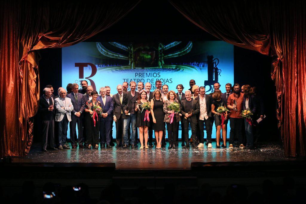 Los premiados, anoche, sobre el escenario