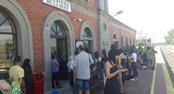 """Piden al alcalde de Talavera una protesta formal ante Fomento tras otro """"fin de semana de retrasos en los trenes"""""""