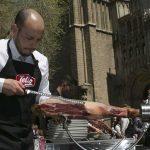 Comer jamón ibérico en Toledo y ayudar a dos causas solidarias