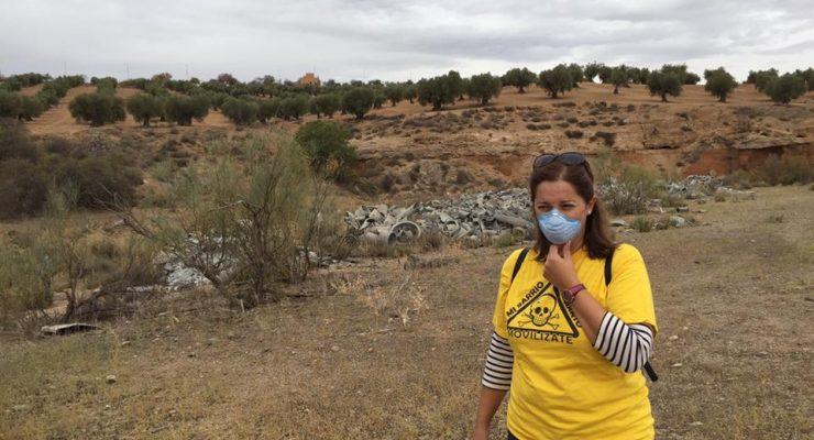 """La retirada del amianto cercano a las viviendas """"no está prevista y se sale del presupuesto"""""""