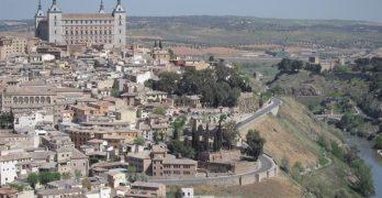 """El turismo """"masivo"""" en el Casco Histórico de Toledo: ¿oportunidad o desventaja?"""
