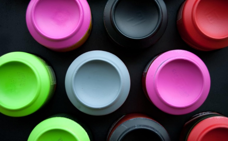 Street Art o un mural de latas recicladas en el que todos pueden participar