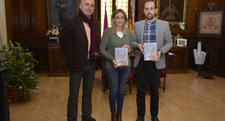 Un nuevo libro une el patrimonio y la historia de Toledo a través de sus rutas guiadas