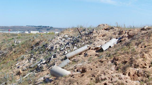 La Junta espera autorización judicial para sellar el amianto en otras cuatro parcelas