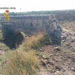 Investigan a tres personas por demoler parte de la canalización del embalse del Torcón