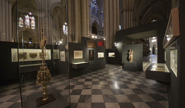 Cerca de 350 piezas integran la exposición sobre Cisneros que acoge la Catedral de Toledo