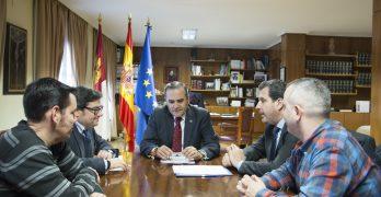 """El delegado de Gobierno trasladará """"personalmente"""" a Fomento las demandas sobre el ferrocarril en Toledo"""
