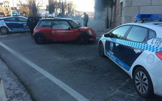 Detenido un conductor en Toledo tras impactar contra la Puerta de Bisagra tras una persecución