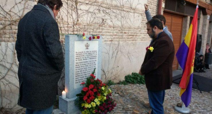 Violines, poemas y claveles para recordar a las víctimas del Holocausto en Toledo