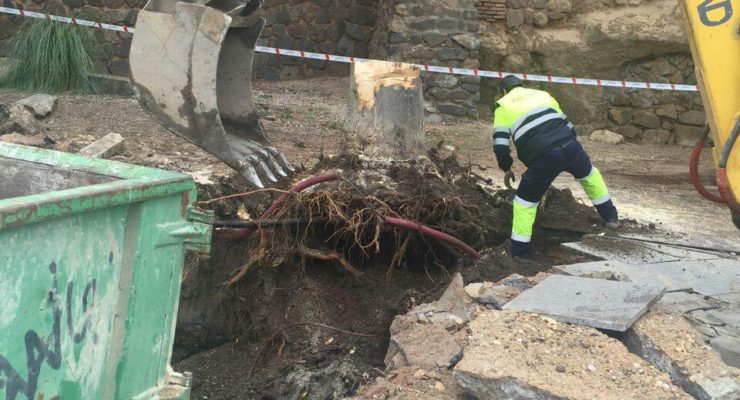 Rotura de una tubería de agua en el Puente de San Martín de Toledo que no variará la presión en el Casco
