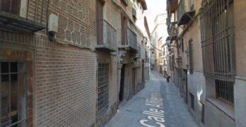 Cortada al tráfico de 11.00 a 17.30 horas la calle Alfileritos, excepto a la salida escolar