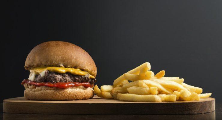 El 31,4% de los toledanos sigue una dieta inadecuada y abusa de bebidas azucaradas, bollería industrial y comida rápida