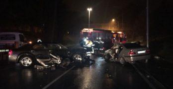 Tres heridos graves tras la colisión frontal de 2 turismos en Toledo