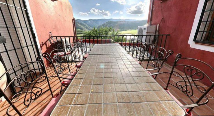 Castilla-La Mancha cambiará las espigas por estrellas verdes en sus casas rurales