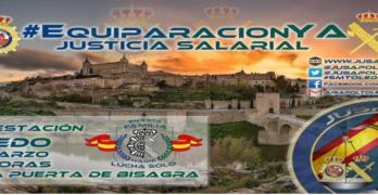 De Bisagra a la plaza del Ayuntamiento para reclamar la equiparación salarial de policías