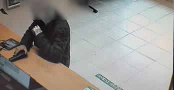 Detienen al hombre que atracó un banco en Noez con una pistola