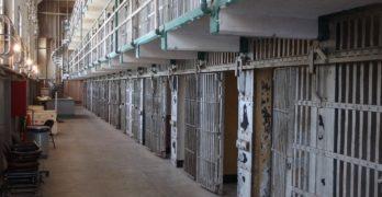 Cinco años de prisión por cortar en el cuello a un preso con una lata de sardinas