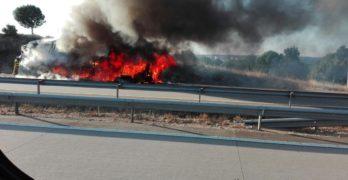 Arde un autobús en la A-5, a su paso por Talavera de la Reina, sin causar heridos
