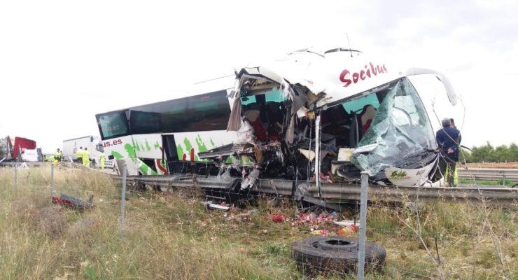 Dados de alta todos los heridos en el accidente de Madridejos entre un autobús y un camión