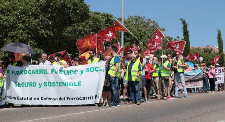 """Clamor en La Sagra por un ferrocarril """"público, social y sostenible"""""""