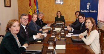 Otra vez cesados: el 'déjà vu' de los exconsejeros que Cospedal rescató para el Gobierno de Rajoy