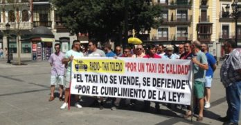 Los taxistas de Toledo apoyan los paros del sector y exigen la reducción de licencias VTC