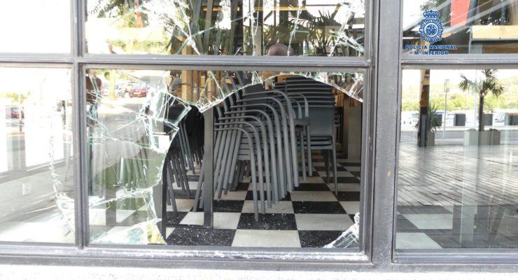 El excamarero detenido hace unos días por robar en bares de Toledo vuelve a la acción