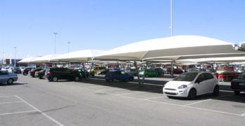 Detenido por rayar todo el lateral de un coche tras una discusión por un aparcamiento en Toledo