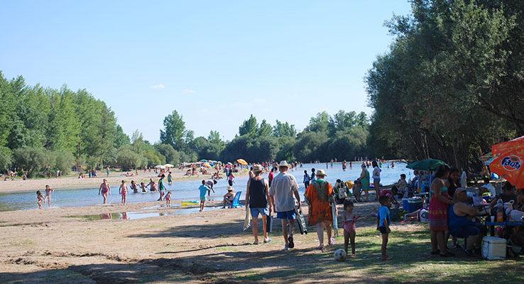 El agua del Alberche vuelve a ser apta para el baño en Escalona