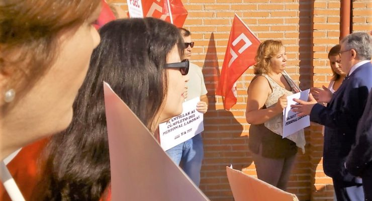 "Personal laboral de IES de Talavera reclaman a Felpeto la cobertura de ""numerosas vacantes"""