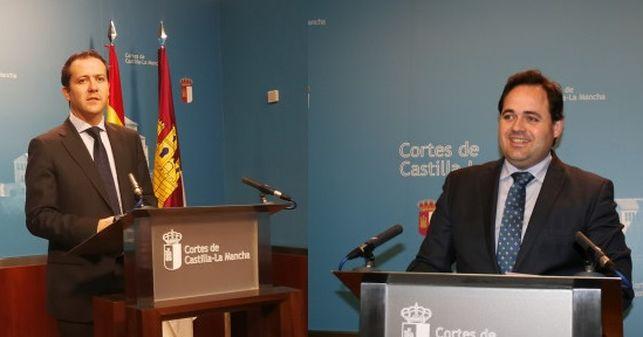 El PP inaugura sus primarias para suceder a Cospedal tras acusaciones de presiones durante la campaña