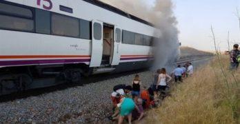 """Las continuas incidencias ferroviarias unen a varias plataformas en la lucha por """"un tren digno"""""""