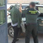 Detienen a un hombre por tráfico de drogas y a otro por intentar robárselas con un arma de fuego