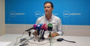 """Carlos Velázquez pierde las primarias del PP y se pone a """"entera disposición"""" del ganador, Francisco Núñez"""